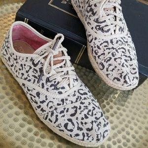 ||TOMS|| shoes leopard print
